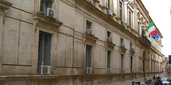 E' di nuovo in vendita per 10 milioni di euro il palazzo della Prefettura di Ragusa. Ma chi lo compra?