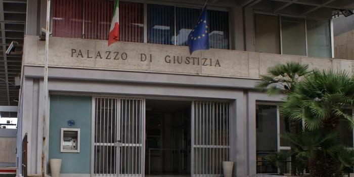"""Patteggiamento della pena per 2 componenti della """"Banda delle spaccate"""": 30 furti, 8 in una notte"""